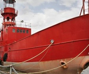 Lightship-living-anyone-363-m