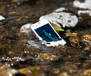 Liquipel-will-waterproof-your-smartphone-no-case-required-m