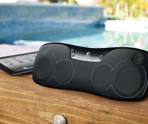Logitech-wireless-boombox-for-apple-ipad-m