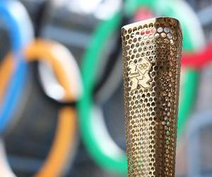 London-2012-olympic-torch-prototype-unveiled-m
