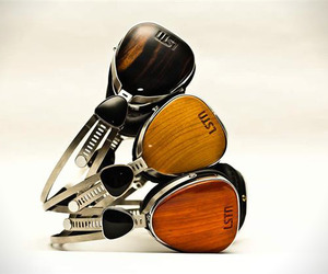 Lstn-reclaimed-wood-headphones-m