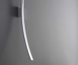 Luna-faucet-design-inspired-by-the-moon-and-stars-m