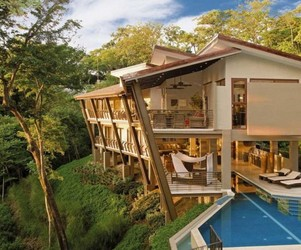 Luxurious-holiday-house-in-costa-ricas-jungle-m