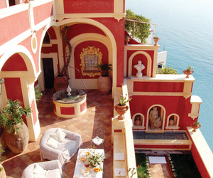 Luxurious-villa-dorata-perched-on-the-amalfi-coast-m