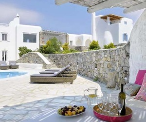 Luxurious-villa-le-soleil-de-rhenia-in-mykonos-m
