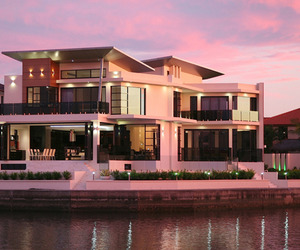 Luxurious-waterfront-property-in-australia-m