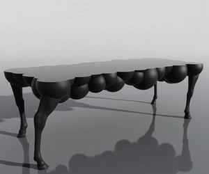 Mad-horse-table-m