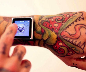 Magnetic-implants-attach-your-ipod-to-your-wrist-m