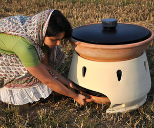 Making-sea-water-drinkable-by-solar-oven-m