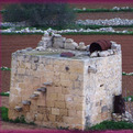 Maltese-corbelled-hut-1194-s