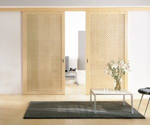 Maple-lattice-sliding-doors-m