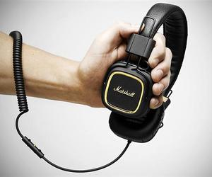 Marshall-50th-anniversary-headphones-m