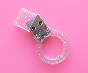 Memo-ring-jewelry-for-romantic-geeks-m