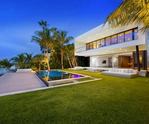 Miami Bachelor Pad by Luis Bosch