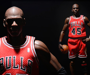 Michael-jordan-hyper-realistic-collectible-figure-m