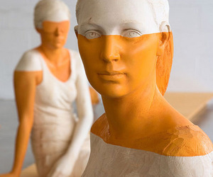 Mind-blowing-wooden-sculptures-by-willy-verginer-m
