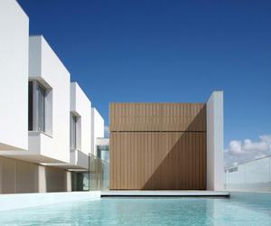 Minimalist-house-in-pao-de-arcos-m