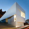 Minimalist-mountainside-house-in-edition29-architecture-007-s