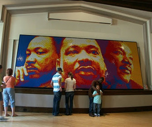 Mlk-made-with-4242-rubiks-cubes-m