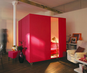 Mobile-bed-cube-great-idea-for-a-studio-apartment-m