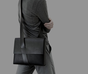 Mobius Bag: For iPad or MacBook Air