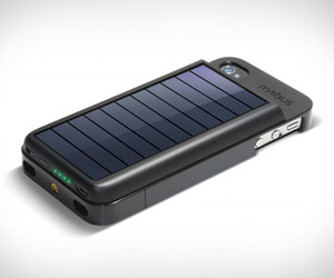 Mobius-iphone-solar-powered-case-m