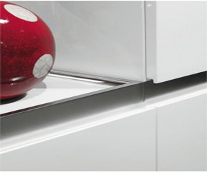Modern-black-white-kitchen-concept-by-salvarini-m