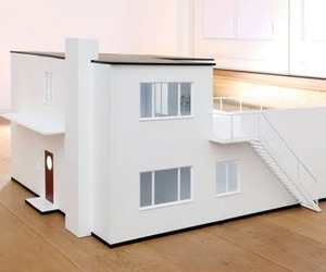 Modern-dollhouse-replica-of-arne-jacobsens-home-m