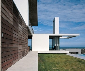 Modern-house-in-safrica-m