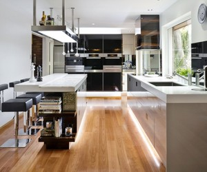Modern-kitchen-designed-by-darren-james-m