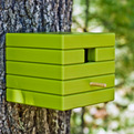 Modern-recycled-outdoor-cube-birdhouse-from-loll-s