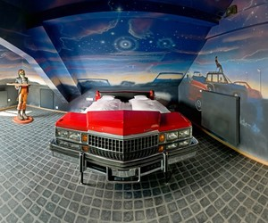 Modern-room-design-for-automotive-enthusiasts-m