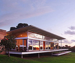 Modern-vacation-rental-in-australia-m