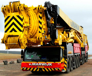 Most-powerful-mobile-crane-in-the-world-2-m