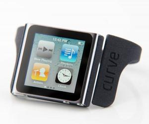 Nanolet-ipod-nano-bracelet-by-curve-creative-m