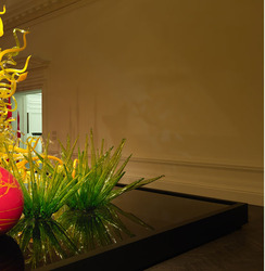 New Halcyon Gallery Debuts with a Chihuly Exhibit