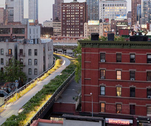 New-york-city-railway-transformed-into-park-m