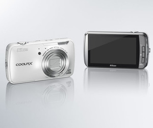 Nikon-coolpix-s800c-android-camera-m