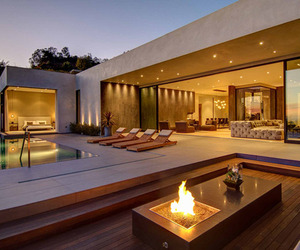 North-doheny-house-by-la-kaza-meridith-baer-home-m