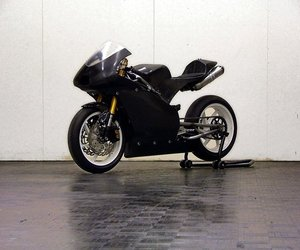 Novabike02-a-racing-motorcycle-that-runs-on-bio-ethanol-m