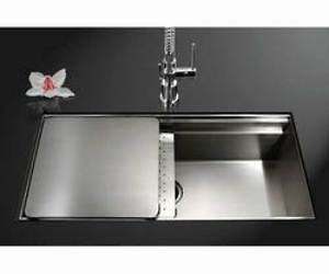 Novus Undermount Sink with Sliding Platform and Drying Board