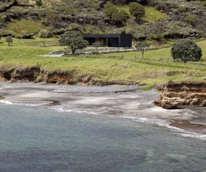 Off-the-grid-cottage-in-great-barrier-island-m