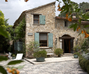 Old-mill-house-in-the-south-of-france-moulin-du-jardinier-m