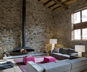 Old-mill-warehouse-transformed-into-cozy-home-studio-minim-m
