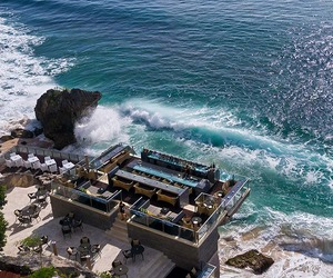 On-the-rocks-one-of-the-worlds-coolest-bar-m