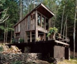 One-room-off-grid-cabin-726-m