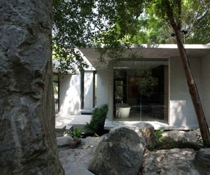 One-with-nature-open-box-house-m