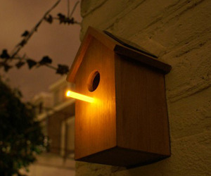 Oooms-solar-birdhouse-m