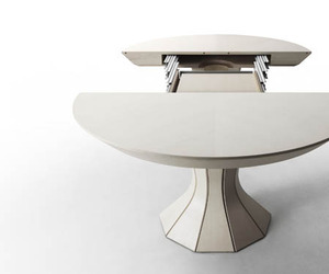 Opera-an-expandable-table-by-bauline-m