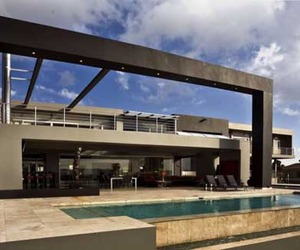 Opulent-hotel-like-home-in-johannesburg-m